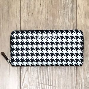 Michael Kors Houndstooth Wallet Black and White